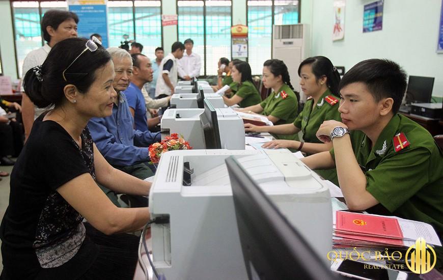 Sau khi đã làm đơn xin xác nhận tạm trú và đầy đủ hồ sơ thì tiến hành bước nộp hồ sơ