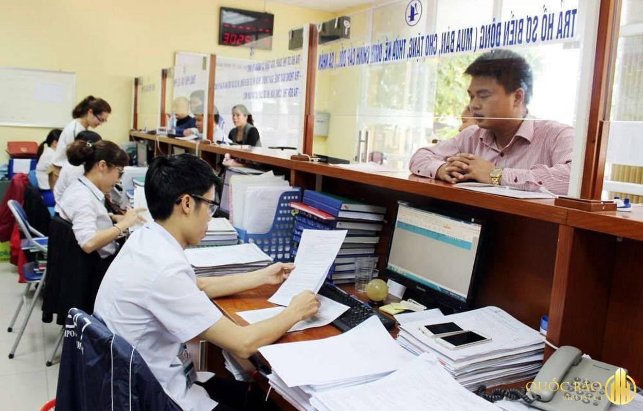 Ảnh thực tế làm việc tại văn phòng đăng ký đất đai Hà Nội