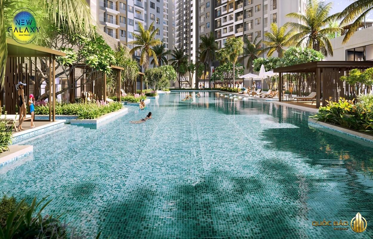 Trung tâm tầng trệt New Galaxy Nha Trang là hồ bơi 700m